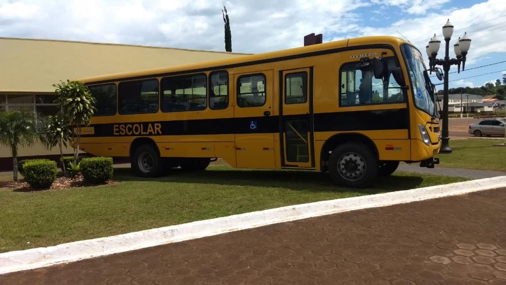 Emenda garante recursos para compra de ônibus escolar zero